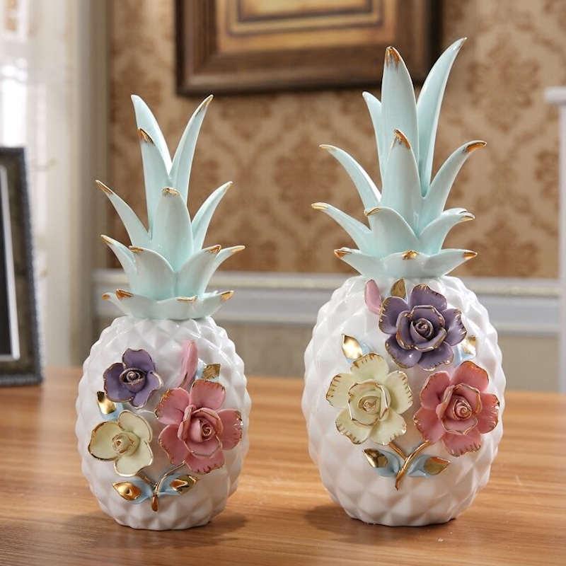 ananas céramique déco blanc à fleur dans salon