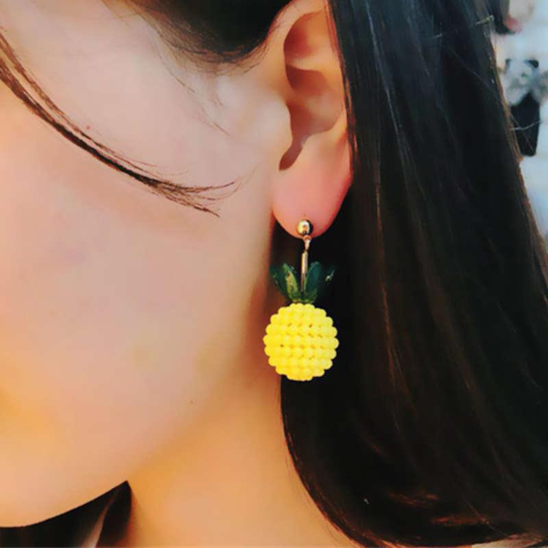 clous d' oreilles ananas fantaisies tropicales jaunes et vertes