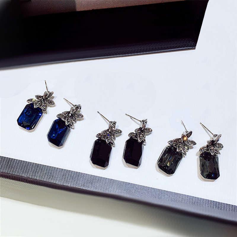 boucles d'oreilles ananas zircon 3d bleu, noir et bleu nuit