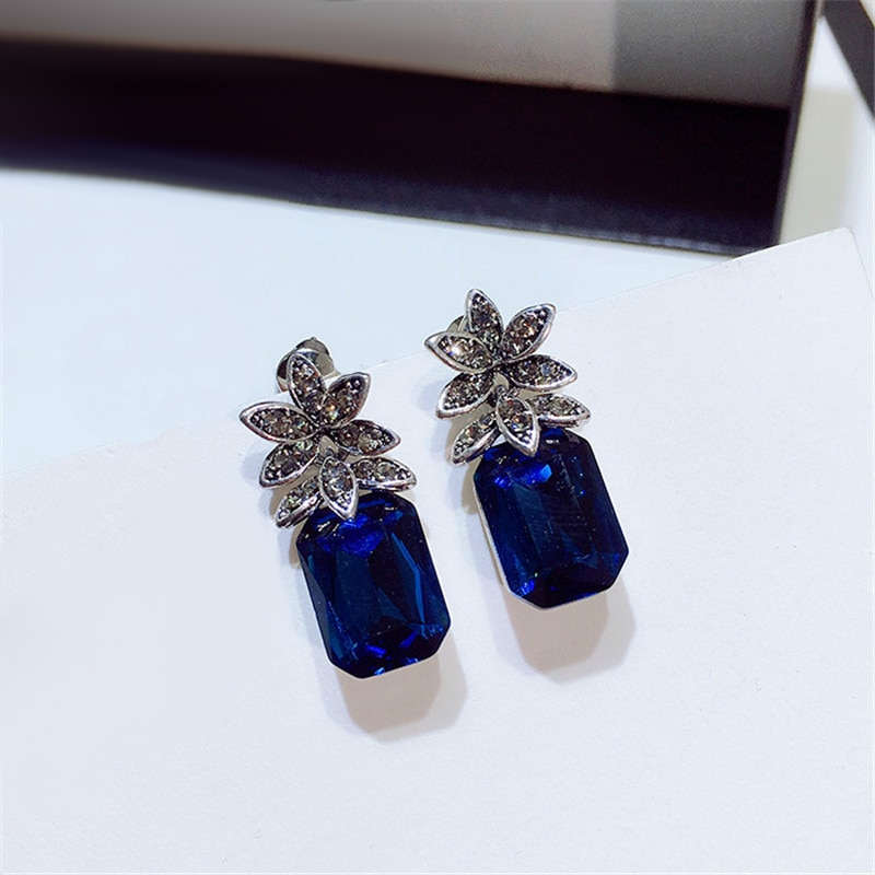 boucle d'oreilles ananas faux saphir bleu