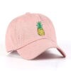 casquette rose avec motif ananas
