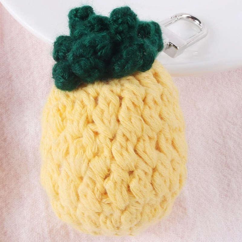 porte-clé en forme d' ananas en laine