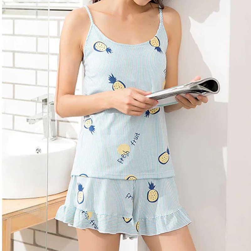 pyjama short ananas porté par fille