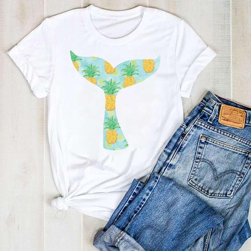 t shirt ananas imprimé d'une queue de baleine avec des ananas