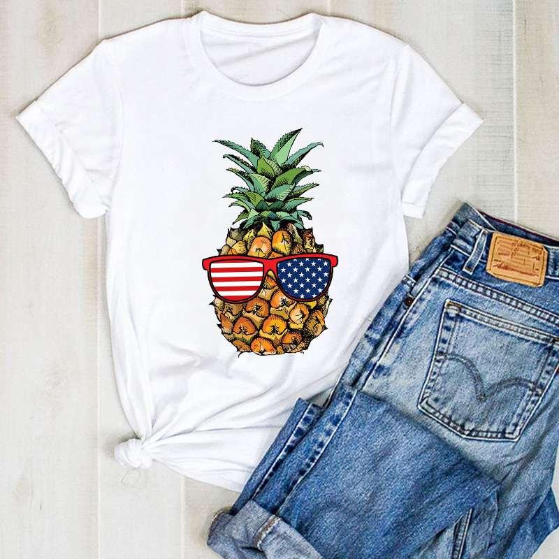 t shirt ananas pour femme imprimé d'un ananas portant des lunettes avec les verre drapeaux américain