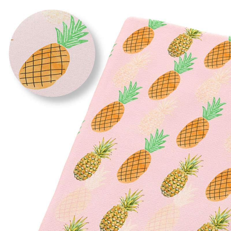 tissu ananas exotique imprimé avec des ananas oranges et tissu de couleur rose